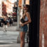 New York Streetstyle: Denim Shorts und Crop Tops