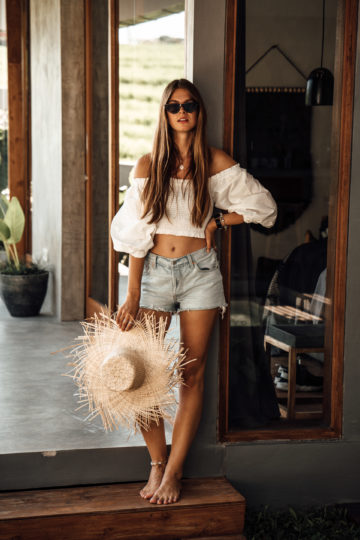 Bali Travel Outfit: Straw Hat and Denim