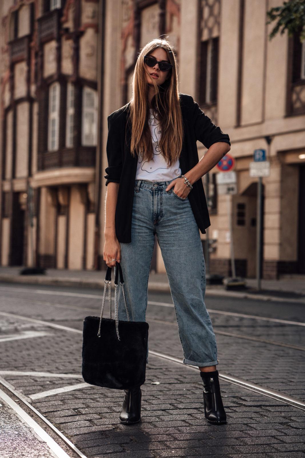 Baggy Jeans kombiniert mit Blazer