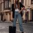 Casual Schickes Herbstoutfit: Baggy Jeans und Blazer