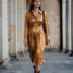 Midi Kleid kombiniert mit Cowboy Stiefeln