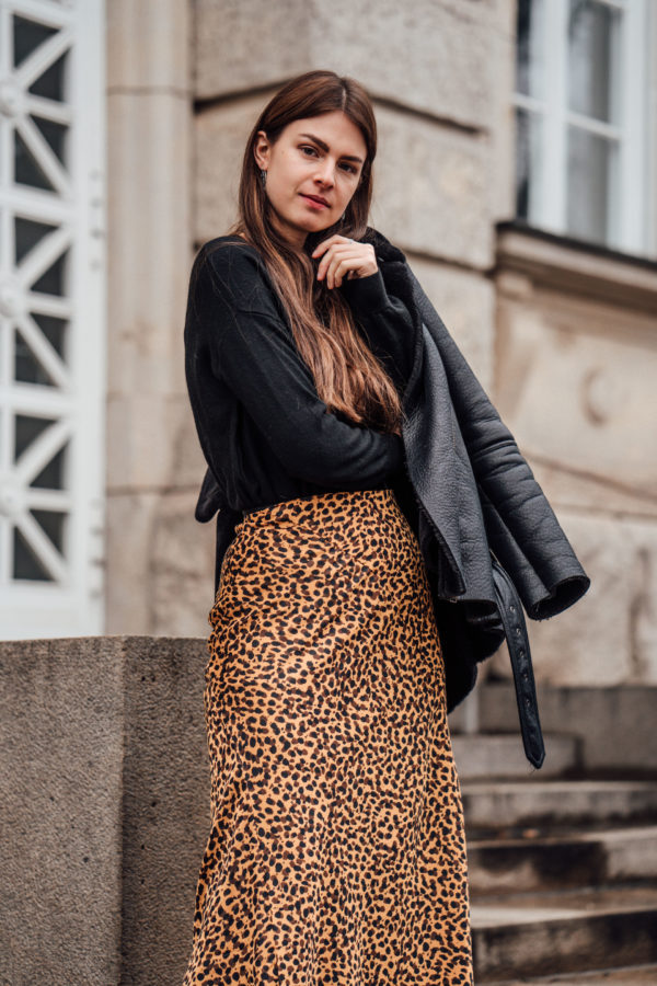 wearing leopard print in winter