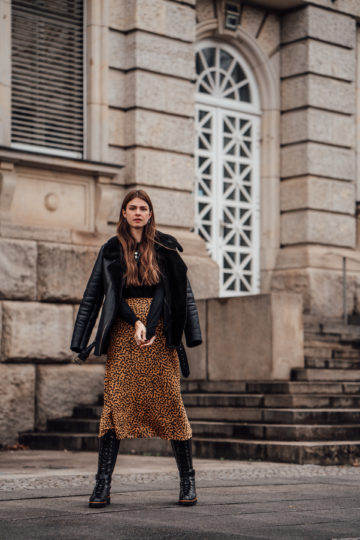 Winter Outfit with Midi Skirt, Shearling Jacket and Leather Boots