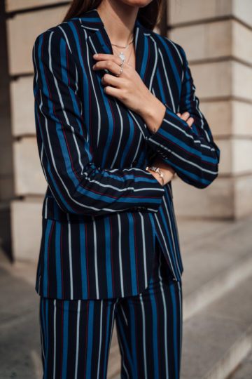how to wear a striped suit