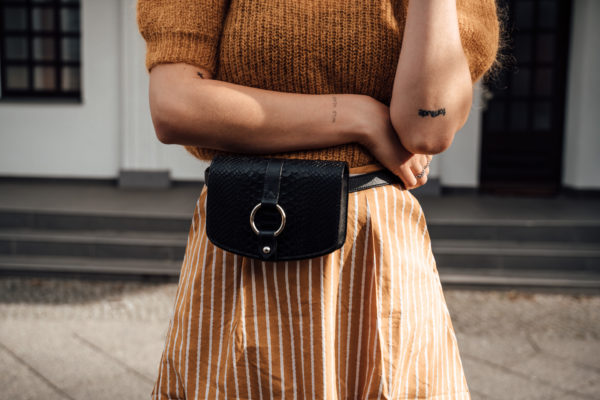 how to wear a belt bag