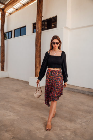 How to wear an asymmetric midi skirt with floral print