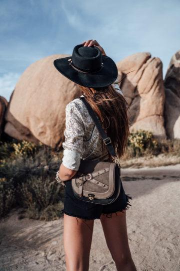 schwarzer Western Hut