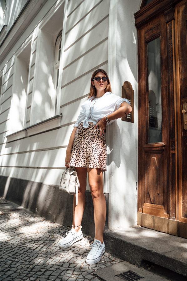 short Leo Print skirt