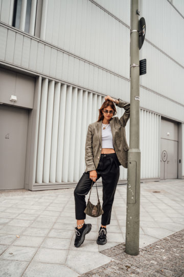 how to wear faux leather pants