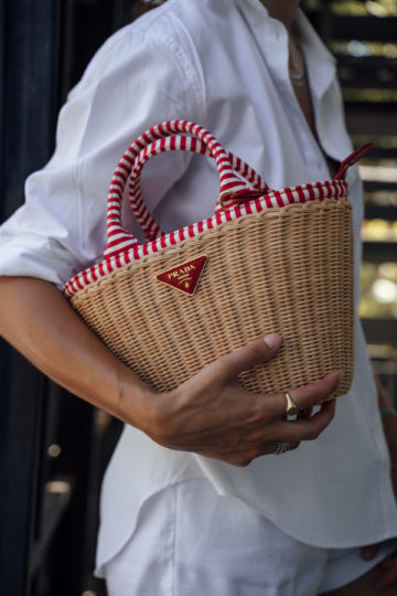 how to style a basket bag